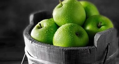 Яблоки в росе