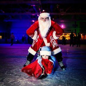 Дед мороз на коньках