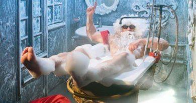 Дед мороз в ванной