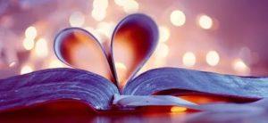 Книга любви в виде сердца