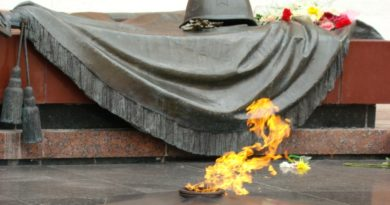 Фото у вечного огня