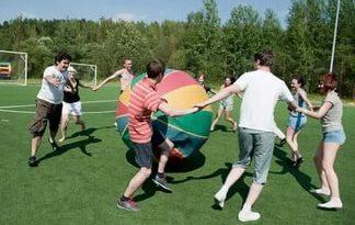 Игра с большим мячом