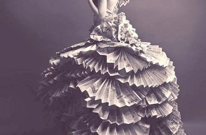 Платье из газет для девочки