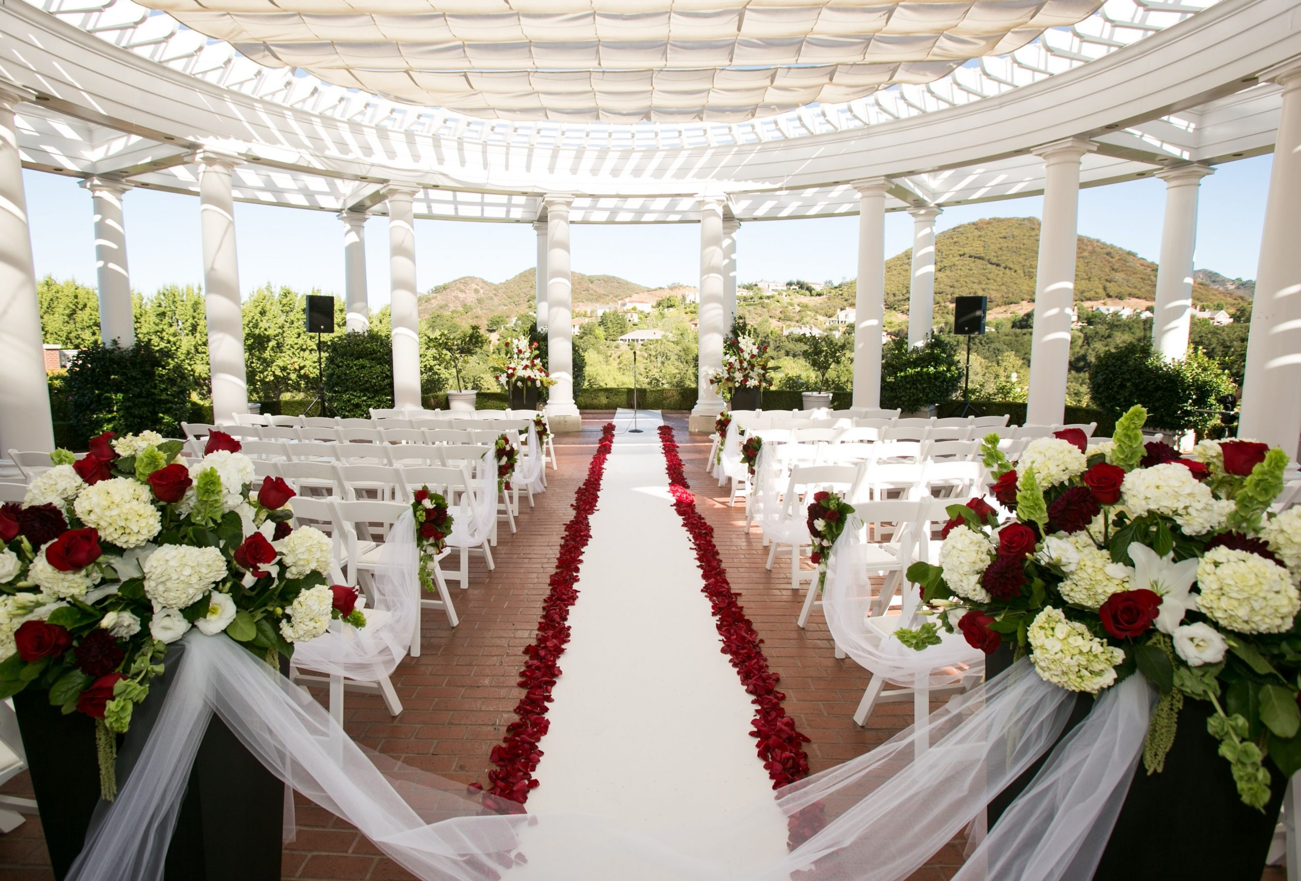 свадебная сцена